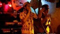 Tóke & The Soultree Collective im Grünen Jäger Nicht einmal eine Woche nach seinen fulminanten Auftritten beim Reggae Jam in Bersenbrück, wo Tóke sowohl auf der großen Bühne als auch […]