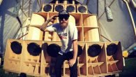 Selector TKZ aka Tangokilozulu Die Reggaeszene in Deutschland ist mächtig aktiv: Artists, Bands, Produzenten, Studios, Soundsystems, Veranstalter, DJs und natürlich die vielen Reggaefans machen das bunte Treiben aus. Landauf und […]