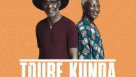 """Touré Kunda """"Lambi Golo"""" / """"Paris – Ziguinchor Live"""" (Soulbeats Records – 2018) Afrikanische Musik wird oft mit spitzen Fingern weggelegt. Sie hat es schwer. Oder als exotische Zutat zum..."""