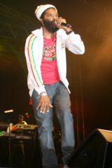 Colah Colah live on stage