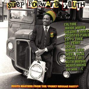 Step Foward Youth (Greensleeves – 2018) Punk war ab Mitte der 70er Jahre ein wesentlicher Einfluss in der Musik. Zudem verkörperten Punks (in New York und London) eine rebellische Haltung,...