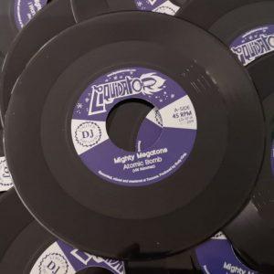 """The Mighty Megatones """"Atomic Bomb / I Want To Know"""" – 7 Inch/Digital (Liquidator Music – 2019) Eine wirklich schöne Single aus der DJ-Serie von Liquidator, die ja schon an..."""