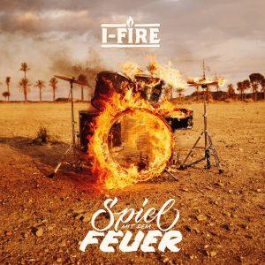 """I-Fire """"Spiel Mit Dem Feuer"""" (I-Fire Empire -- 2020) Die Hamburger Reggae-Institution I-Fire meldet sich mit dem neuen Album """"Spiel Mit Dem Feuer"""" kraftvoll zurück. Lange haben sich die Mitglieder..."""