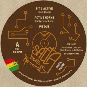 """Black Omolo """"Fit & Active"""" – 12 Inch (Satta Dub Records – 2019) Black Omolo, eine in Amsterdam lebende Kenianerin, ist schon seit einiger Zeit beim dortigen King Shiloh Soundsystem..."""
