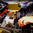 Buffbaff Records & Aldubb Unglaublich gutem Live-Dub-Mixing beizuwohnen ist echt eine Freude. Etliche Videos im Internet zeigen die hohe Kunst, gekonnt mit Timing und Effekten umzugehen. Spontan und wenig geplant. […]